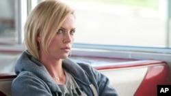 El hijo de Clint Eastwood, Scott Eastwood, y Charlize Theron actuarán en 'Fast & Furious 8'.