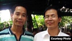 吴义龙(右一)