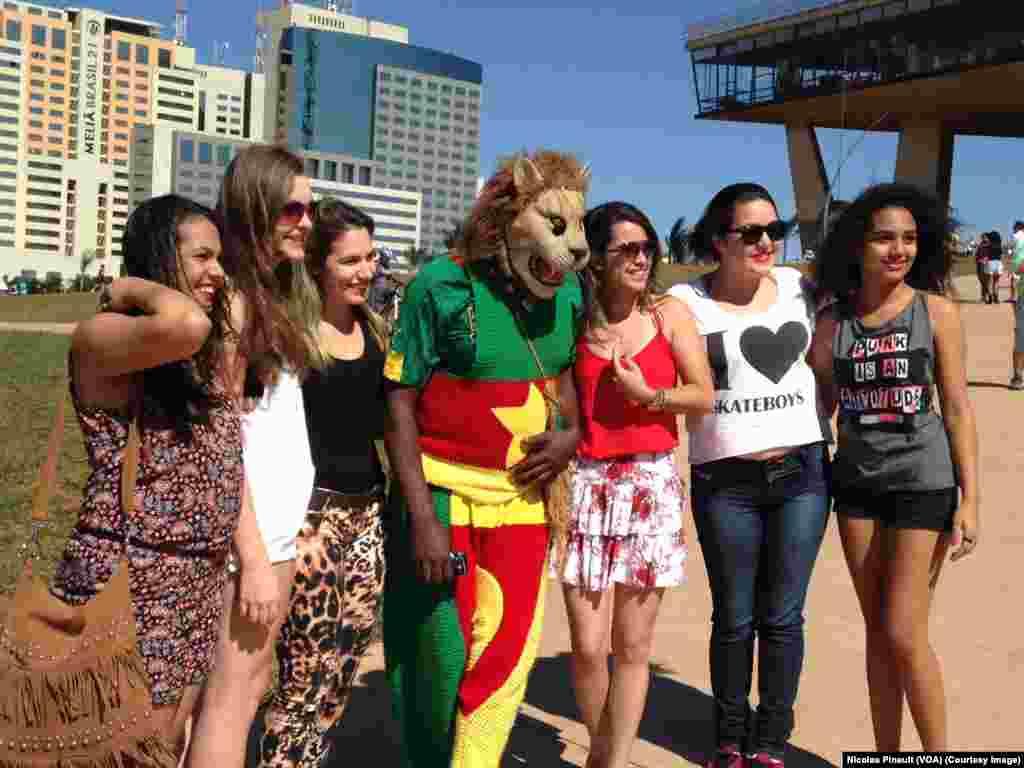 Le lion camerounais bien entouré à Brasilia