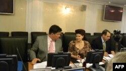 Глава комитета Совета Федерации по международным делам Михаил Маргелов и глава комитета Совета Федерации по социальной политике и здравоохранению Валентина Петренко