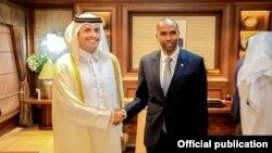 Wasiirka arrimaha dibedda Qatar iyo ra'iisul wasaare Kheyre