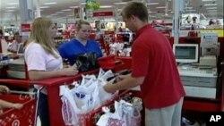 美國經濟受民眾購買力影響。