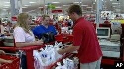 美國商務部報告說,美國經濟的增長也是因為消費者支出和出口增長。