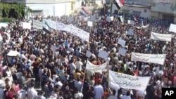 星期天示威者舉行反對敘利亞總統阿薩德的示威遊行
