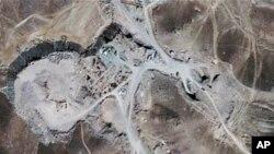 이란 북동부 콤 시 인근의 우라늄 농축시설 위성촬영 사진