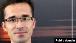 امید کوکبی فیزیکدان جوان ایرانی که از سال ۱۳۸۹ تاکنون در ایران زندانی است