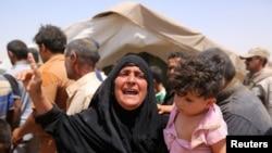 İŞİD-in hücumu qarşısında Ramadi sakinləri şəhəri tərk edirlər.