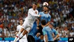 Uruguay enfrentará en cuartos a Francia, que a primera hora doblegó 4-3 a la Argentina de Messi. El duelo tendrá lugar el próximo viernes en Nizhny Nóvgorod.