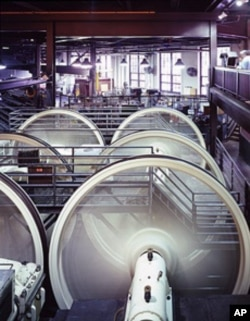 This is the view inside the system's powerhouse, where the cables fly around gigantic wheels. The longest loop runs 8 kilometers under city streets.