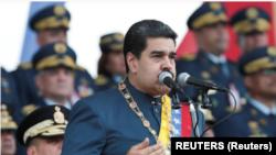 ប្រធានាធិបតីវេណេស៊ុយអេឡា លោក Nicolás Maduro ក្នុងឯកសណ្ឋានជាយោធា។