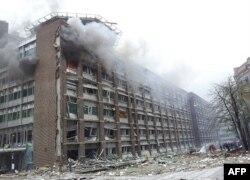 Trụ sở chính phủ Na Uy sau vụ nổ bom, 22/7/2011