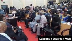 Deputados guineenses regressam ao Parlamento