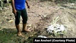 Makam ibu Nunuk yang menjadi polemik akan dipindahkan karena ditolak sebagian warga karena berbeda agama (Courtesy: Aan Anshori)