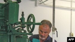 Tod Kejsi ppakuje ostrige iz države Vašington zbog nestašice onih iz Meksičkog zaliva