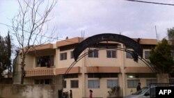 Napuštena škola Abra u Vadi Kaledu na libansko-sirijsko granici je utočište za 80 sirijskih izbeglica.