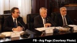 جان سولیوان (وسط) روز سه شنبه در ارگ ریاست جمهوری افغانستان با مقام های افغان ملاقات کرد.