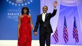 Bà Michelle Obama lộng lẫy trong chiếc áo dài màu đỏ rực do Jason Wu thiết kế