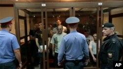 В зале Московского городского суда. 6 июня 2013 г.