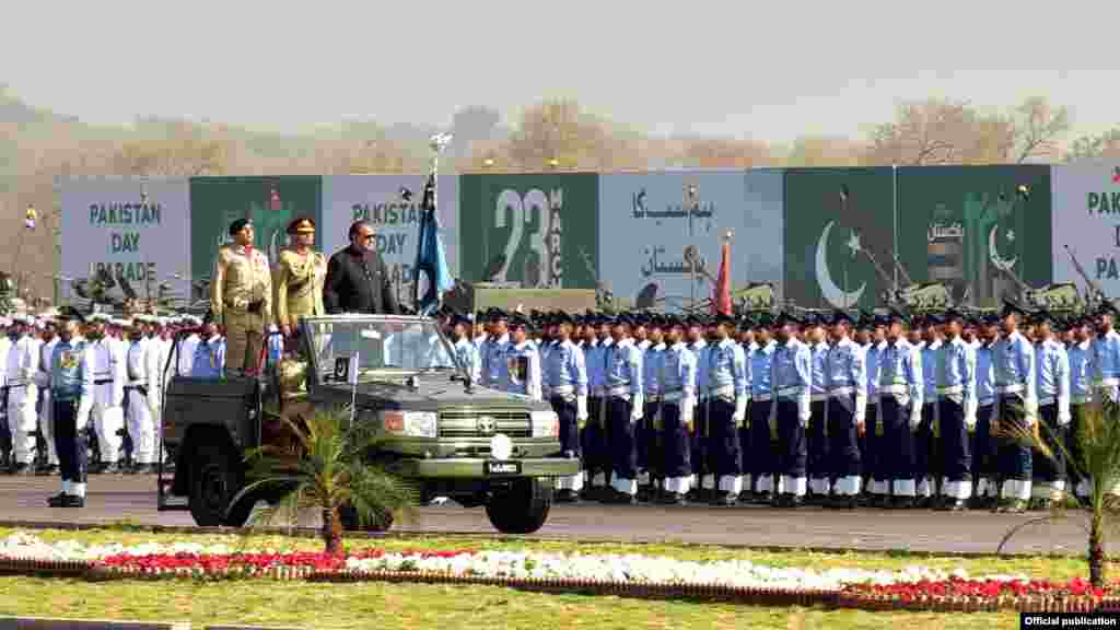 23 مارچ کے موقعے پر اسلام آباد میں یومِ پاکستان کے سلسلے میں پریڈ کا اہتمام کیا گیا۔