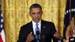 奥巴马在白宫东厅谈论提高债务上限