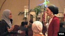 Sebagian perempuan muslim AS yang menghadiri pelatihan Institut Kepemimpinan Muslim Amerika, Universitas South Carolina (18/2).