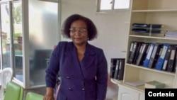"""Bela Malaquias, jornalista e advogada, autora de """"Heroínas da Dignidade I - Memórias de Guerra"""""""