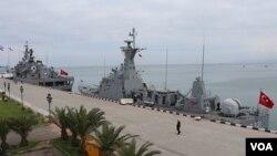 თურქეთის სამხედრო გემები Kalkan და Yildirim ბათუმში