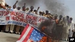 Cư dân ở khu vực bộ tộc Waziristan tại Pakistan biểu tình phản đối các vụ tấn công bằng máy bay không người lái của Mỹ.
