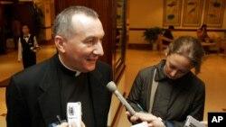 """Tổng giám mục Pietro Parolin được Đức Giáo Hoàng bổ nhiệm làm tân Quốc vụ khanh, một chức vụ thường được xem là """"phó giáo hoàng"""""""