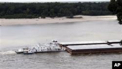 密西西比河水位今年下降到很低的水平