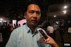 លោក នេត្រ ភក្រ្តា អ្នកនាំពាក្យសាលាក្តីខ្មែរក្រហមប្រាប់ VOA ក្នុងពិធីសម្ពោធគម្រោងកម្មវិធីទូរស័ព្ទ និងគេហទំព័រស្តីអំពីរឿងរ៉ាវ និងប្រវត្តិនៃទីតាំងសំខាន់ៗក្នុងរបបខ្មែរក្រហម ដែលមានឈ្មោះថា «ទីចងចាំ» ឬ «Mapping Memories Cambodia (MMC)» នៅសាកលវិទ្យាល័យភូមិន្ទភ្នំពេញ កាលពីថ្ងៃទី២ ខែកុម្ភៈ ឆ្នាំ២០១៩។