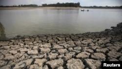 La sequía ha hecho descender el cauce de algunos ríos en el noreste de Brasil en los últimos años.