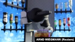 Cocktail robot