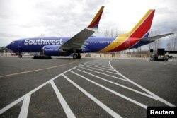 Boeing 737 Max 8 milik Southwest Airlines tampak baru keluar dari fasilitas produksi Boeing di Renton, Washington, AS, 13 Maret 2018