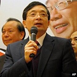 亲民党经济顾问李桐豪教授