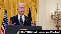 Joseph Biden tokom obraćanja novinarima u Bijeloj kući (Foto: REUTERS/Kevin Lamarque)