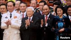 Nhóm 'Tứ trụ' mới (từ trái): Chủ tịch nước Trần Đại Quang, Tổng Bí thư Nguyễn Phú Trọng, Thủ tướng Nguyễn Xuân Phúc và Chủ tịch Quốc hội Nguyễn Thị Kim Ngân.