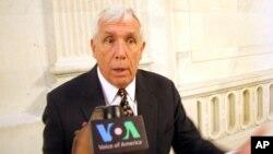 Dân biểu Frank Wolf thuộc đảng Cộng hòa trong một cuộc phỏng vấn với VOA