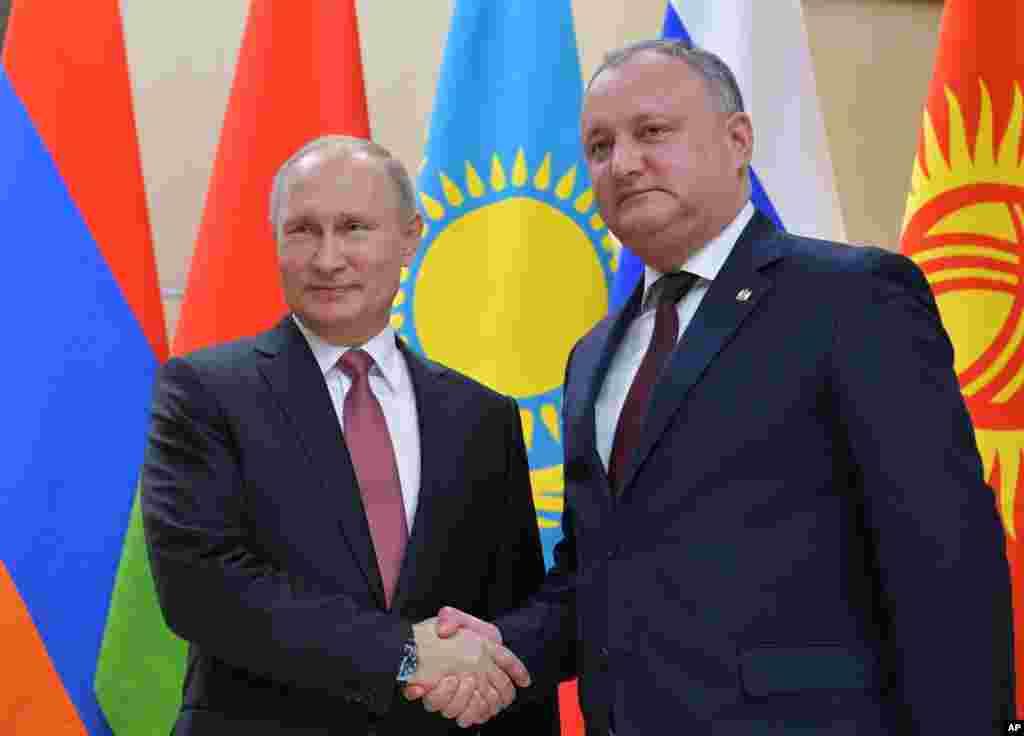 Putin va Dodon