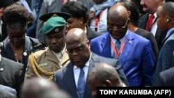 Le président de la RDC, Felix Tshisekedi (au centre), lors de la cérémonie d'inauguration du sommet des pays d'Afrique, des Caraïbes et du Pacifique (ACP), à Nairobi, au Kenya, le 9 décembre 2019.