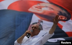 Muharrem Ince, presidential candidate of the main opposition Republican People's Party (CHP), addresses his supporters during an election rally in Istanbul, June 10, 2018.