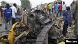 尼日利亞邁杜里市機場附近一個市場發生爆炸後的情況