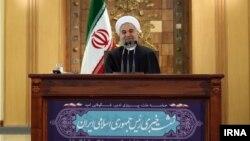 آقای روحانی درپاسخ به سوال بلومبرگ درباره احتمال رابطه با آمریکا گفت، اگر آنها می خواهند سرمایه گذاری کنند، مانعی نیست.
