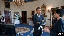 Prezident Obama kashfiyotchi o'quvchilar bilan, Oq Uy