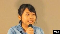 台湾师范大学历史系一年级生郑同学(美国之音张永泰拍摄)