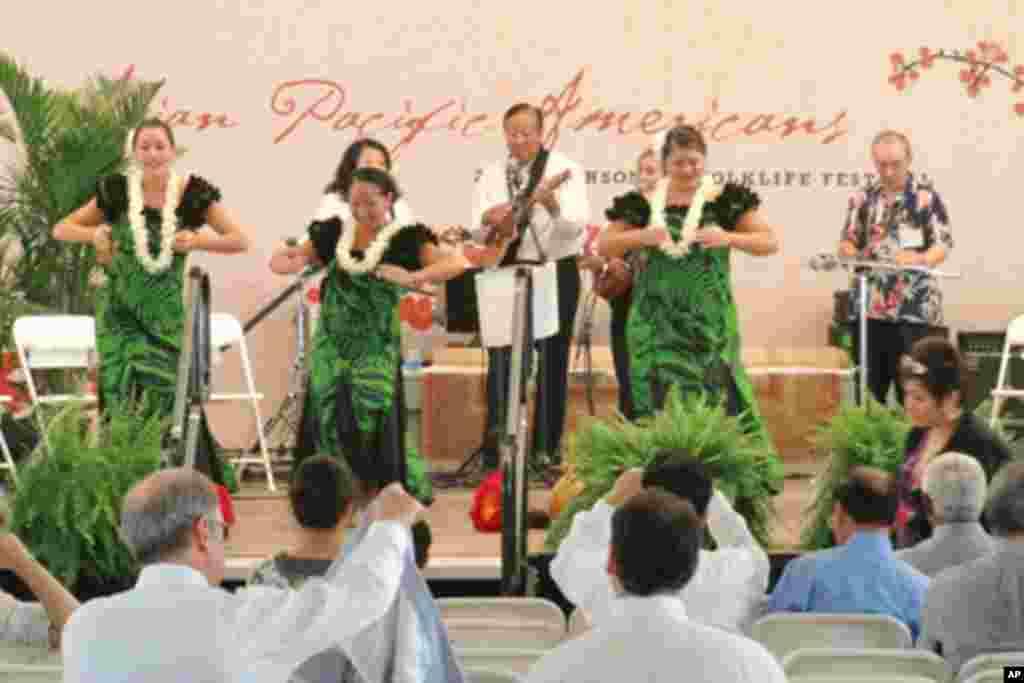 來自夏威夷的歌舞表演