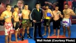 ولی هوتک با تیم ورزشکارانی که در تاجکستان رقابت خواهند کرد