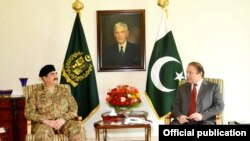 Chief of Army Staff General Raheel Sharif with Prime Minister Muhammad Nawaz Sharif, Islamabad, July 9, 2014.