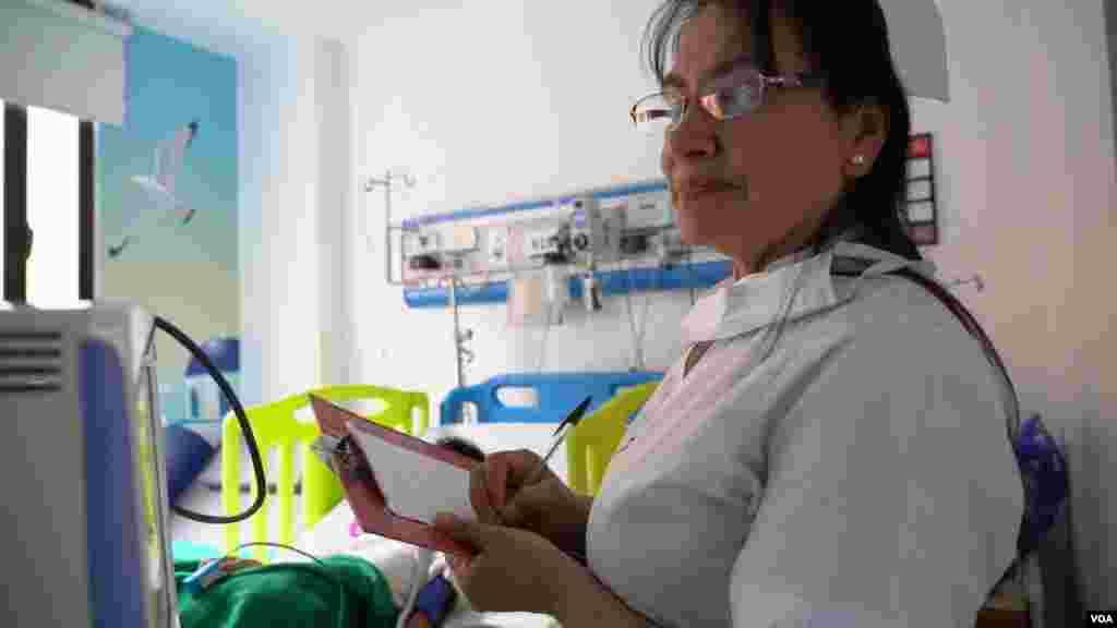 El Instituto Nacional de Cancerología en Colombia ha atendido de manera gratuita a 69 migrantes venezolanos quienes padecen cáncer y no tenían acceso a un tratamiento médico en Venezuela.