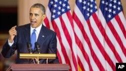 바락 오바마 미국 대통령이 9일 연방 의사당에서 열린 수정헌법 13조 150주년 기념식에서 연설하고 있다.